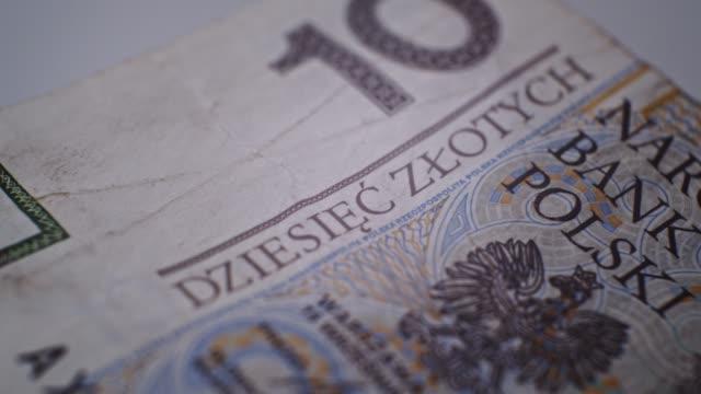 10 pln deatails closeup eu-währung - polnische kultur stock-videos und b-roll-filmmaterial