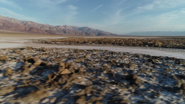 vídeos de stock e filmes b-roll de death valley - parque nacional do vale da morte