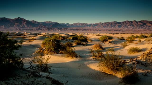 vídeos de stock e filmes b-roll de vale da morte - parque nacional do vale da morte
