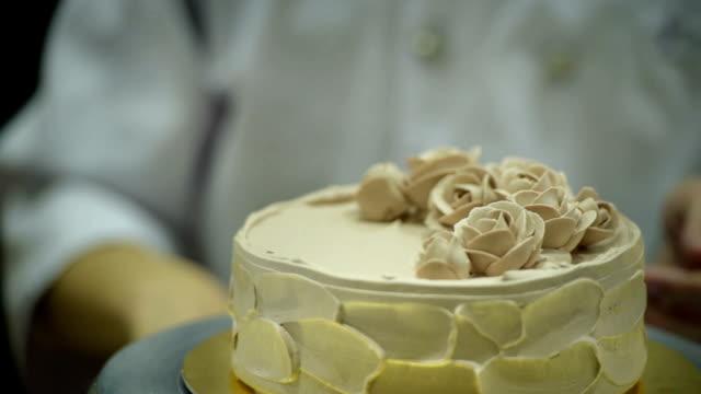 Decorar pastel - vídeo