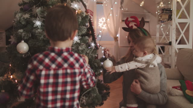 Decorating for Christmas video