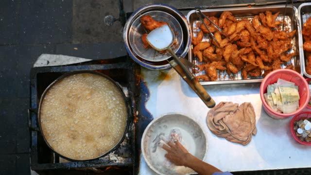 Deep-fried chicken, Street food in Bangkok video