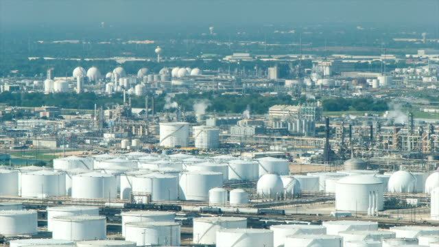 stockvideo's en b-roll-footage met deer park oil refineries and chemical plants in houston tx - chemische fabriek