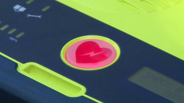 AED Defibrillator Defibrillator heart light flashing ready for action defibrillator stock videos & royalty-free footage