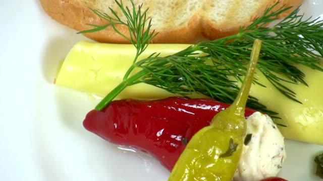 hd: prelibatezze - formaggio spalmabile video stock e b–roll