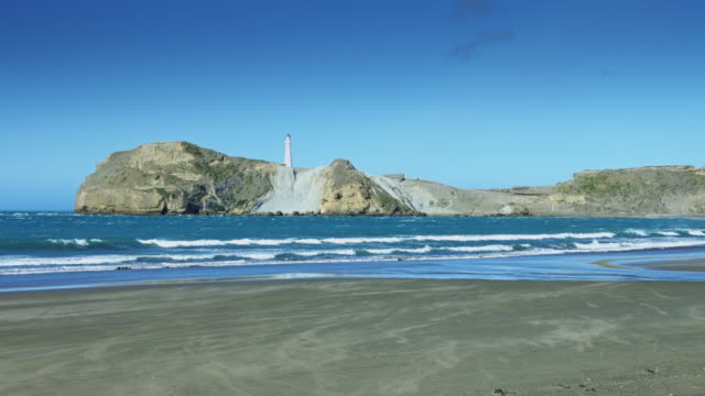 Deliverance Cove, Castlepoint, New Zealand video