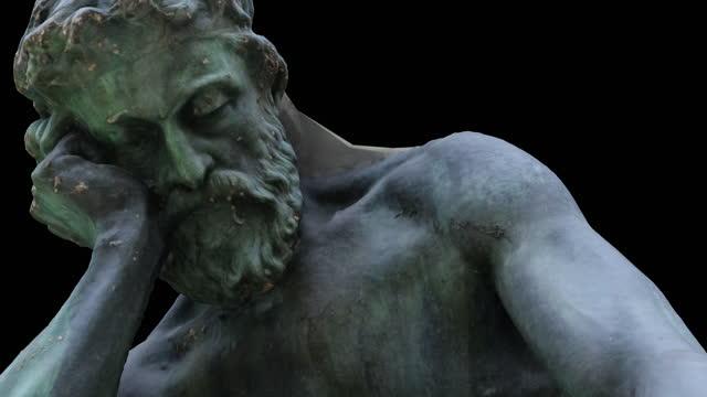 vídeos de stock e filmes b-roll de democritus meditating on the seat of the soul - rotation zoom-in - filosofia