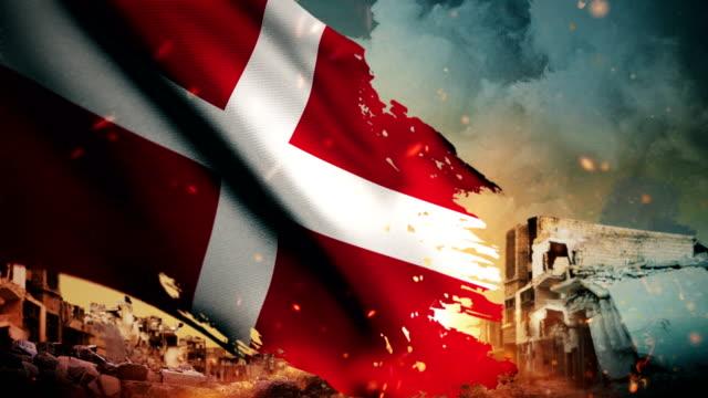 4k danmark flagga - kris / krig / brand (loop) - dansk kultur bildbanksvideor och videomaterial från bakom kulisserna