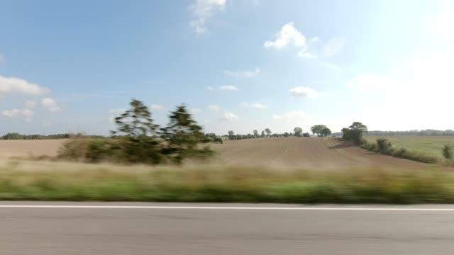 デンマークニュージーランドiii同期シリーズ左ビュー駆動プロセスプレート - 車点の映像素材/bロール