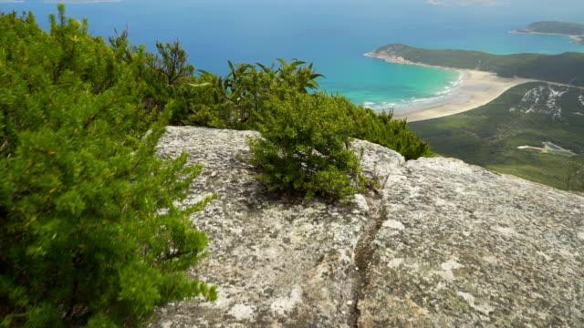 ジャングルの奥地の森林、山、ウィスソンズ プロム、オーストラリア、台車での青青緑色の水 - 高校卒業ダンスパーティ点の映像素材/bロール
