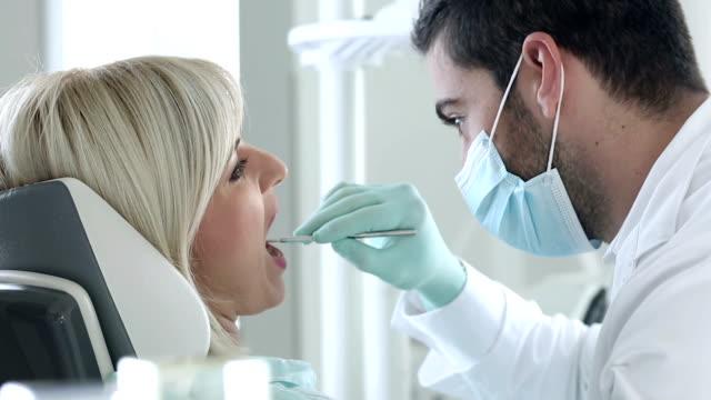 Procedimento de Dentista - vídeo