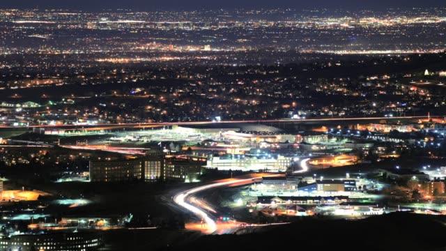 denver metro area timelapse at night. - ultra high definition television filmów i materiałów b-roll