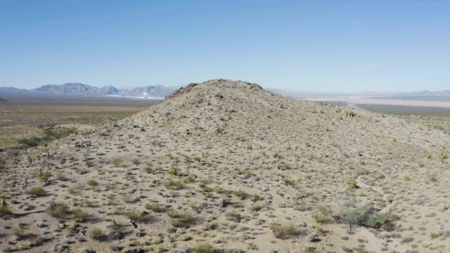desert solar farm - nevada video stock e b–roll