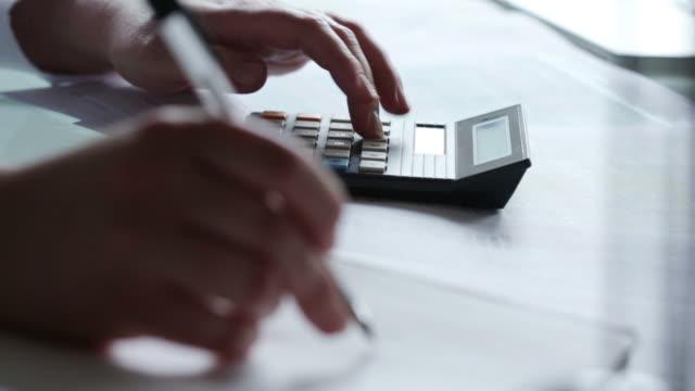 Desk calculating Numbers   DE  BS MO