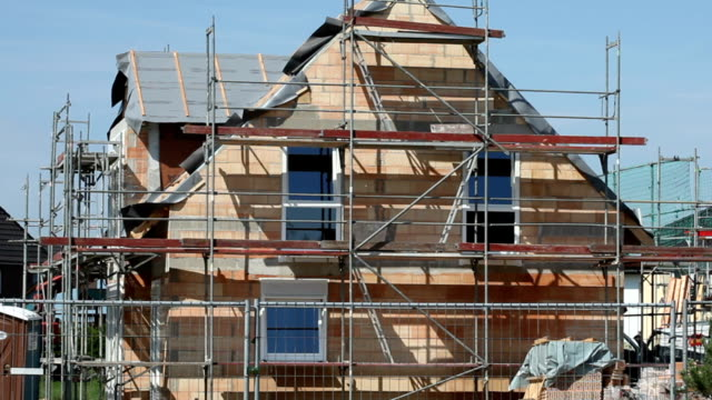 Detached house construction video