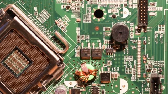 4 k uhd pc マザーボード上のコンポーネントの詳細ビデオ - 半導体点の映像素材/bロール
