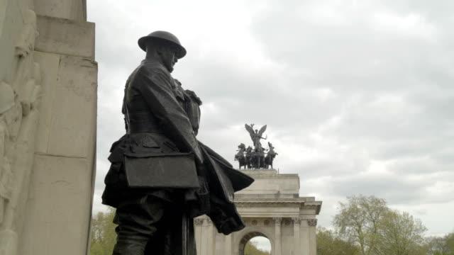 vidéos et rushes de détail du mémorial de la guerre de la royal artillery à hyde park corner. - première guerre mondiale