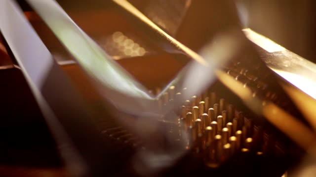 vídeos de stock e filmes b-roll de details inside the grand piano. - piano