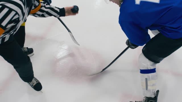 vidéos et rushes de détails du lancer de palet, pour s'affronter - hockey sur glace