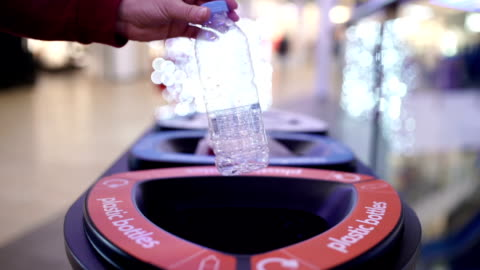 vídeos de stock e filmes b-roll de developing people's awareness of environmental protection-b roll - consumismo
