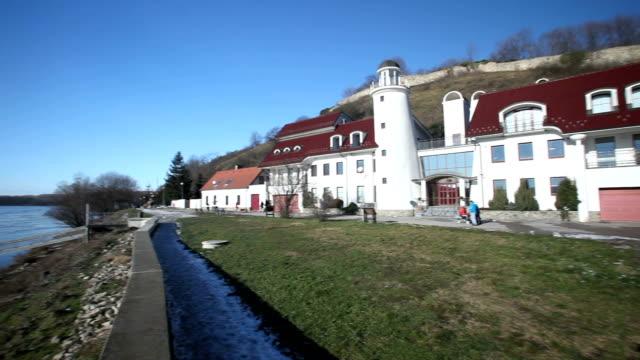 devin schlosses in bratislava, slowakei - slowakei stock-videos und b-roll-filmmaterial