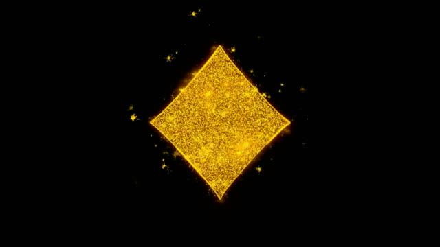 diamant-karte anzug-symbol funken partikel auf schwarzem hintergrund. - karo stock-videos und b-roll-filmmaterial