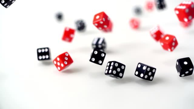 dice ローリング)、slow motion (スローモーション) - 立方体点の映像素材/bロール