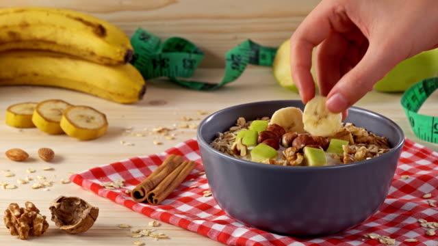 4k 飲食, 健康生活方式 - 香蕉 個影片檔及 b 捲影像
