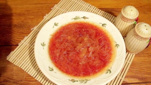 vídeos de stock e filmes b-roll de diet vegetable soup. vegetarian meal of ecologic clean vegetables - crucíferas