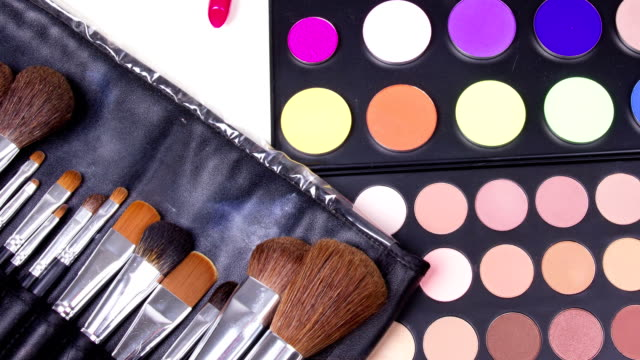 Different make-up tools video