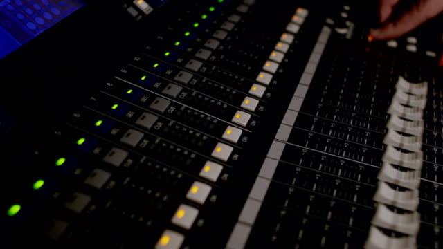 vidéos et rushes de différents modes de console sonore - batteur électrique