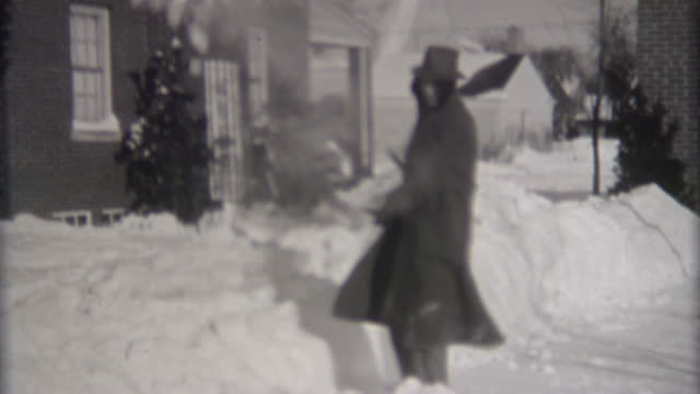 Digging Out From Blizzard 1940's video