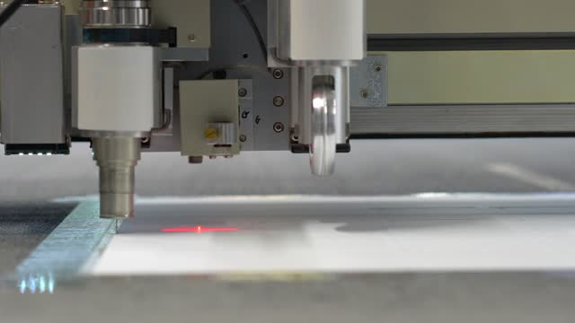 Digital cnc corrugated cardboard vibration knife cutting machine
