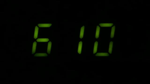 digital led counter från sex - alarm clock bildbanksvideor och videomaterial från bakom kulisserna
