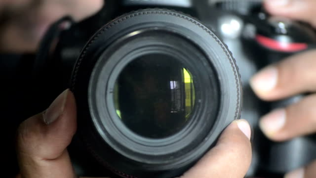 Digital SLR camera Lens Focusing and controlling video