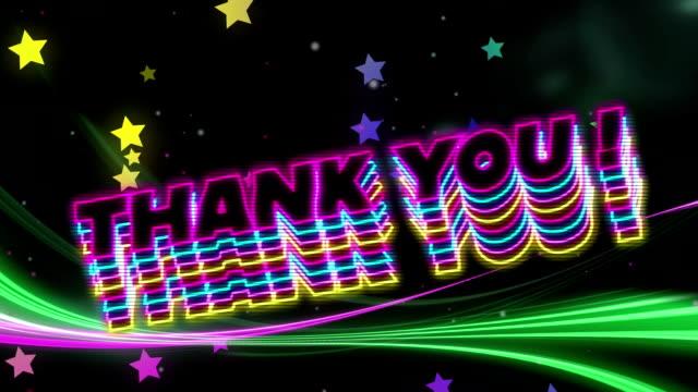 네온 감사 텍스트, 빛나는 별과 blac에 대해 이동 하는 빛 흔적의 디지털 생성 된 비디오 - thank you background 스톡 비디오 및 b-롤 화면