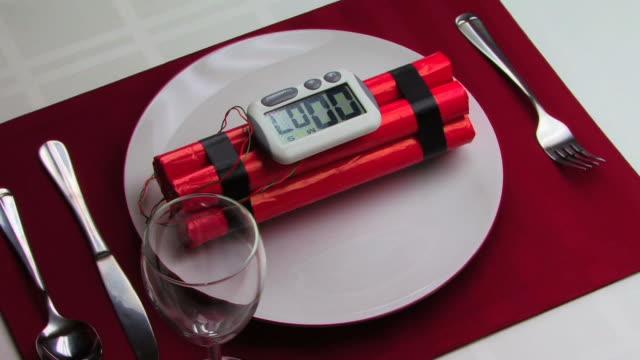 저녁 준비하셨습니까! hd - 10초 이상 스톡 비디오 및 b-롤 화면