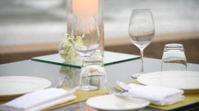 Dinner table set video