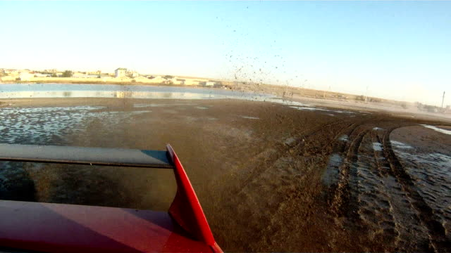 Dirt drifting car video