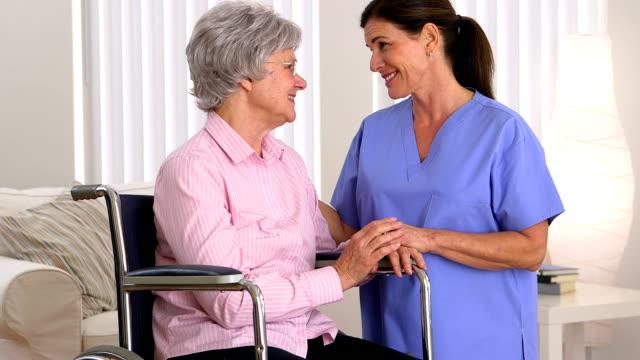 患者介護人が無効になっている ビデオ