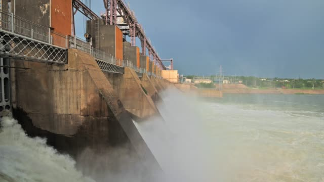 discharge water from the dam of hydroelectric plant - молдавия стоковые видео и кадры b-roll