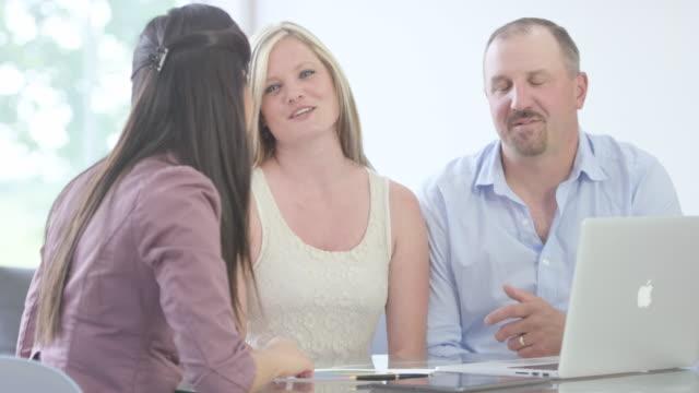 Discuter finances personnelles - Vidéo