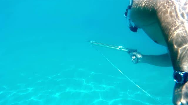 skoki do wody z podwodne gun - spoiler filmów i materiałów b-roll