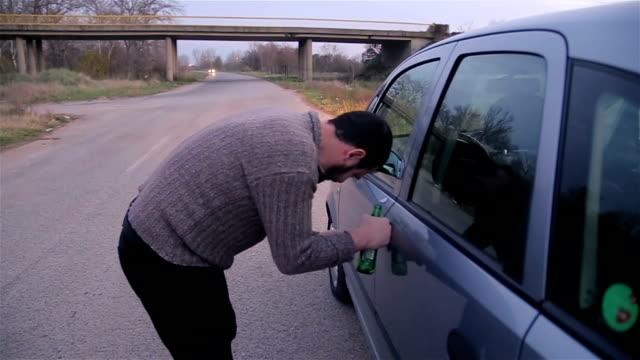 vídeos y material grabado en eventos de stock de ¡no beba alcohol y coche! - stop sign