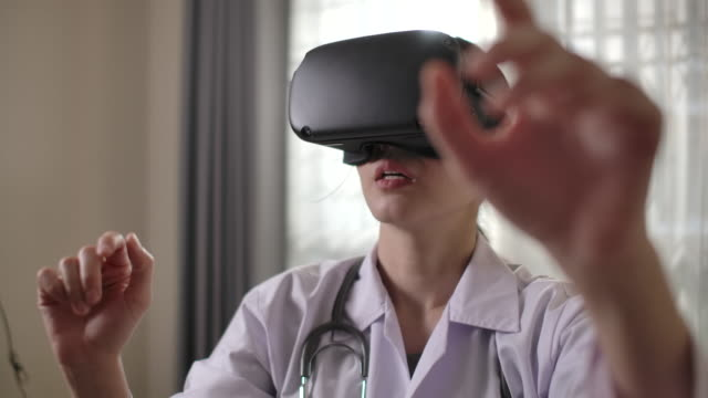 Doctor Virtual reality headset for healthcare