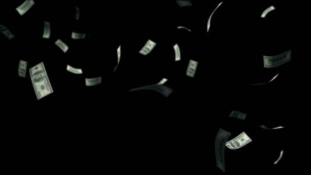 dollar bills falling through air matte - падать стоковые видео и кадры b-roll