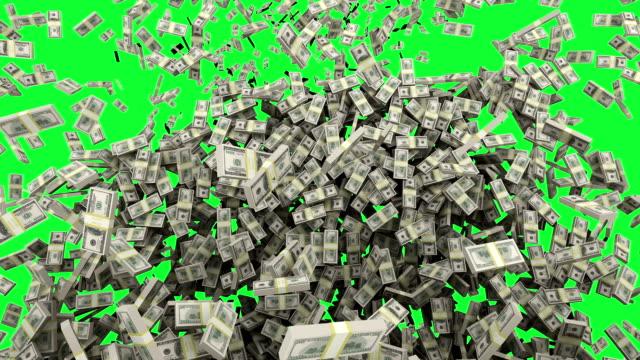 stockvideo's en b-roll-footage met hd: dollar geld vallen met green screen. - money