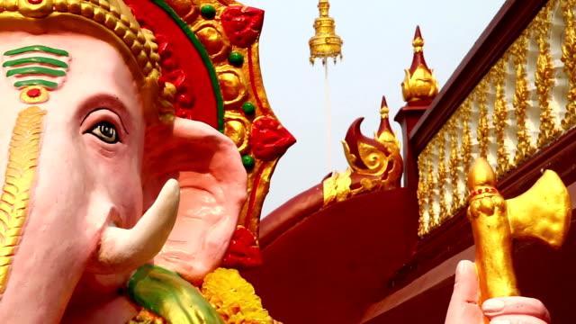dolly kamera: ganesh - india statue bildbanksvideor och videomaterial från bakom kulisserna