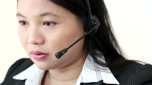 Dolly: Customer Support Call Center Working video