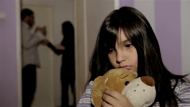 vídeos y material grabado en eventos de stock de la violencia doméstica - violencia doméstica